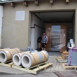 Vykládka a instalace kremační pece2